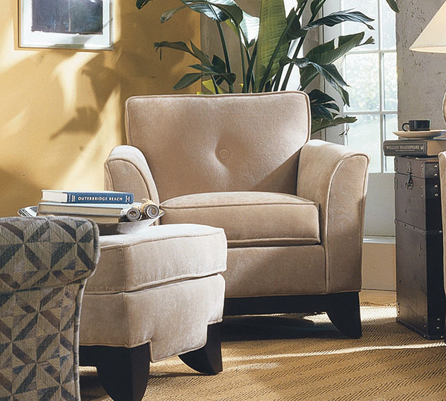 The Rowe Berkeley Sofa Is Ideally Placed In A Traditional Living Room Setting Slightly Flared Arms Exposed Wood Base With Feet And On