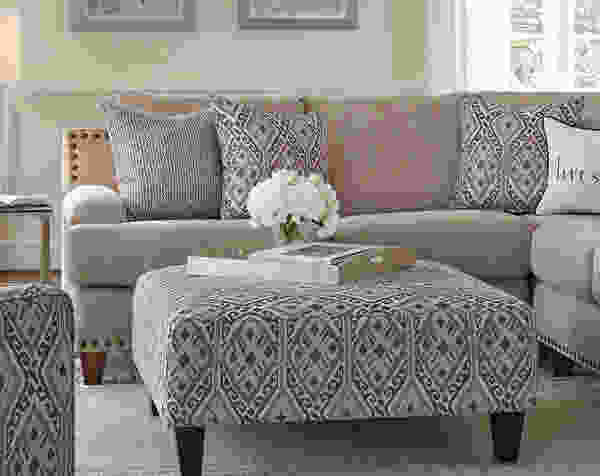 Anna 864 Sectional - Pillows Included