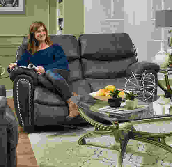 Richmond 756 Reclining Sofa Collection