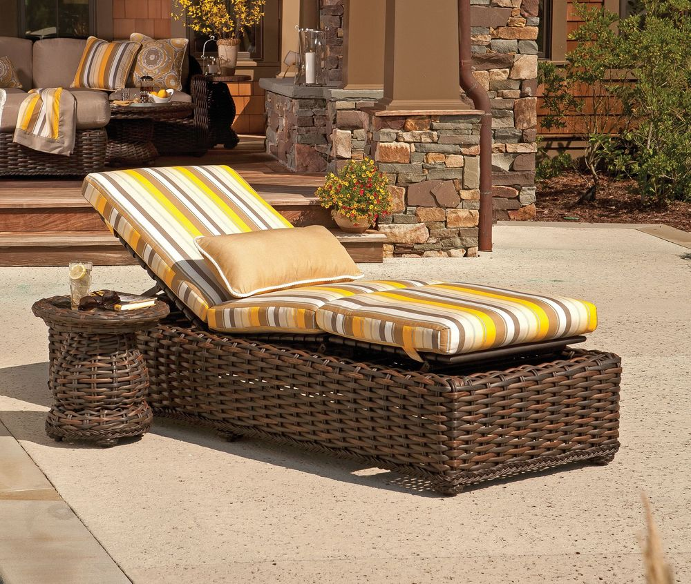 South Hampton Outdoor Adjule Chaise Lounge