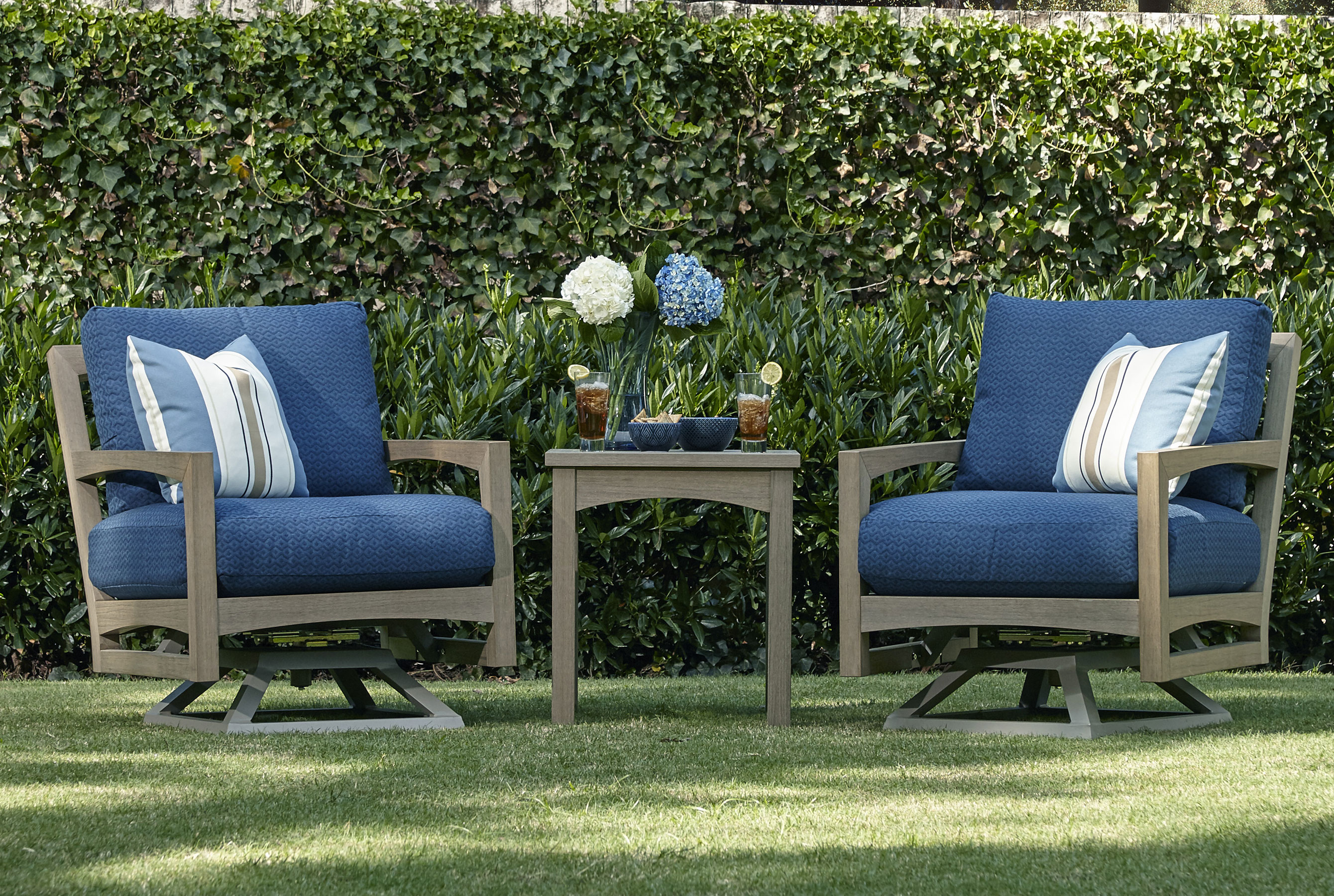 Delray W8502 Outdoor Swivel Rocker Chair