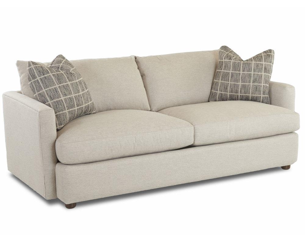 Leisure D4033 Sofa Hundreds Of